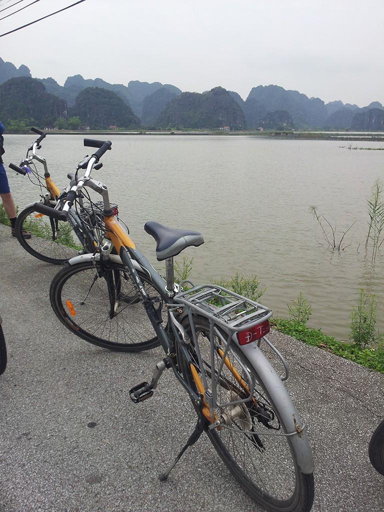 ninh binh bicycle tour vietnam