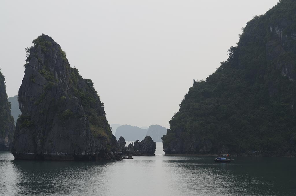 halong bay limestones vietnam