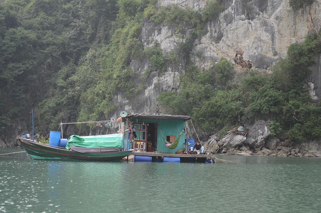 floating village halong bay vietnam