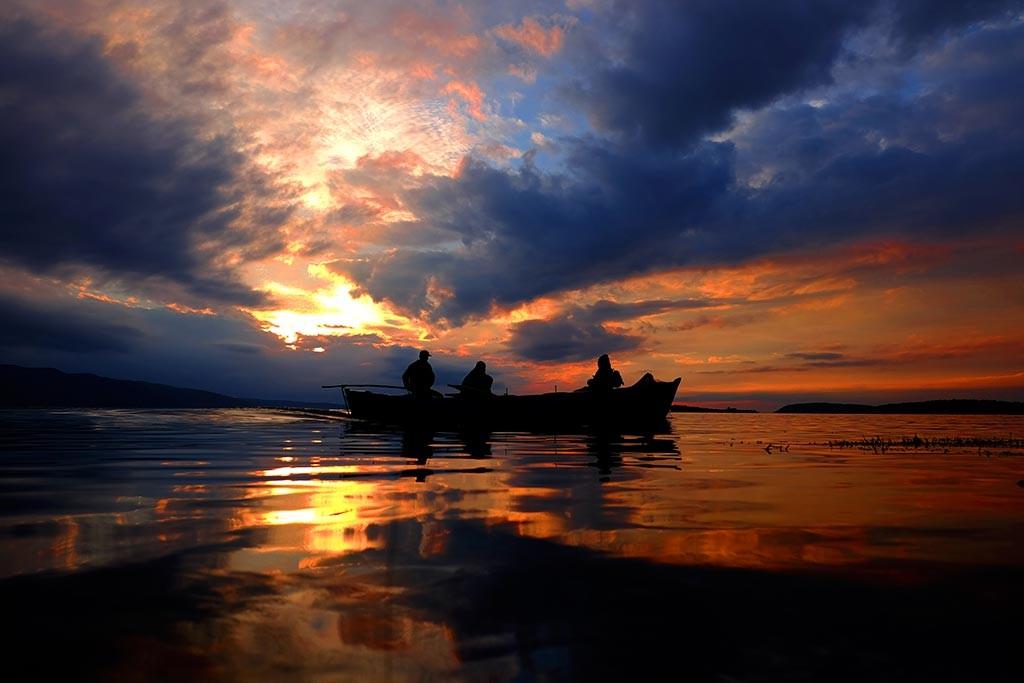 bursa uluabat lake sunset