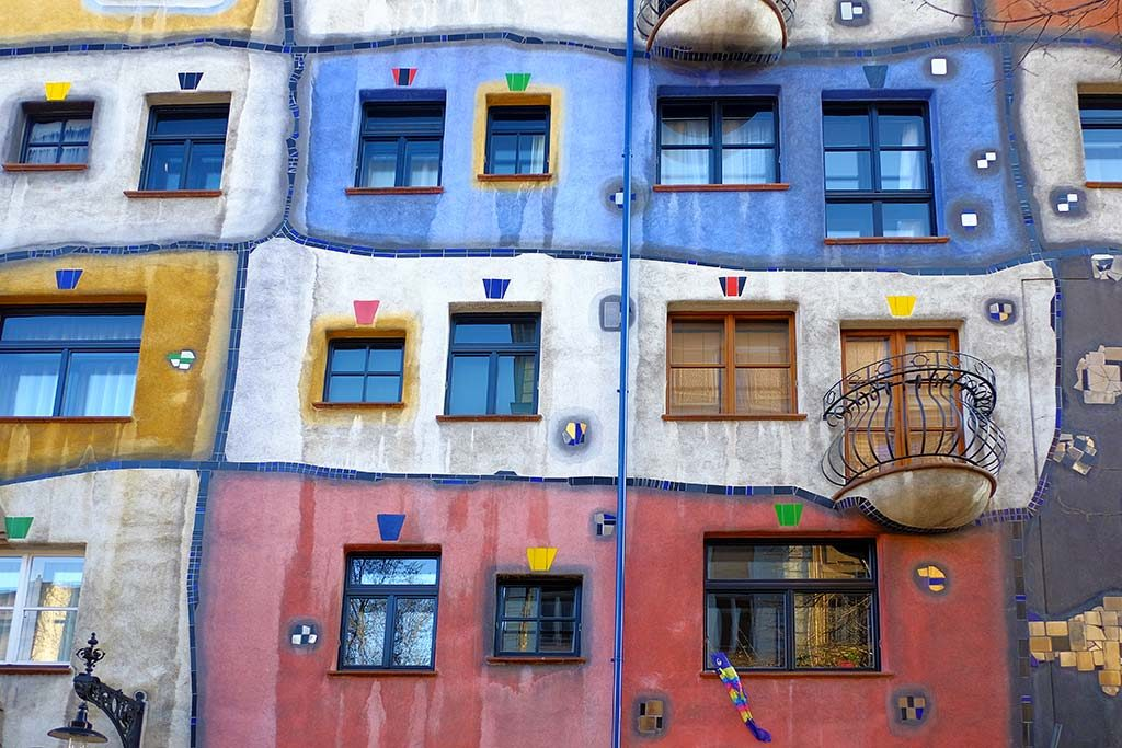 colorfull hundertwasser houses in vienna