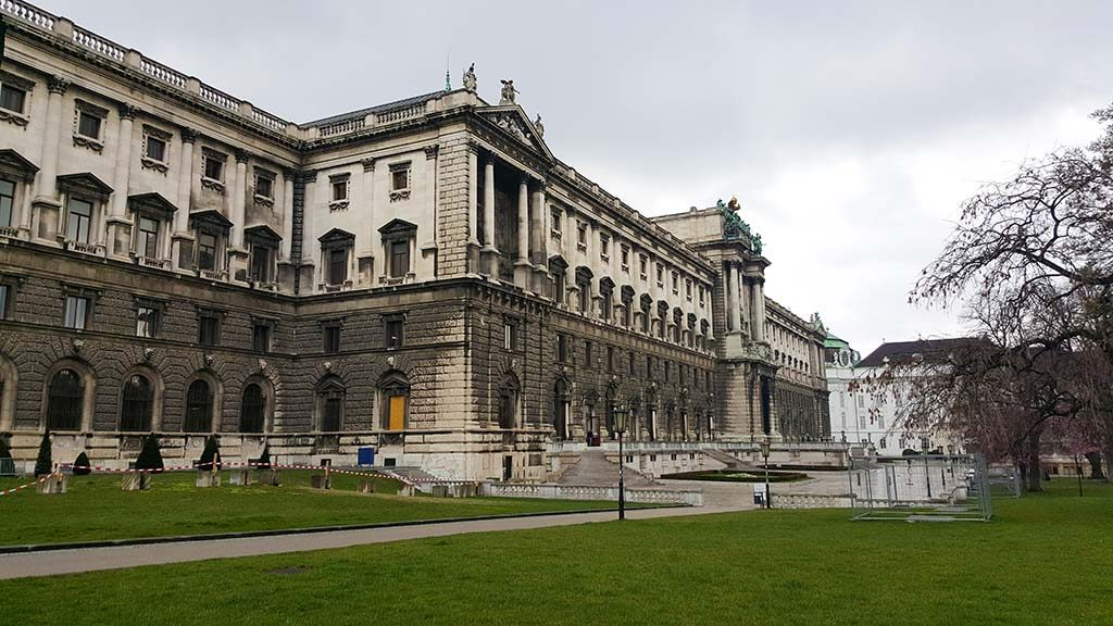 hofburg palace exterior in vienna