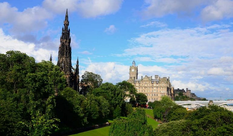 Edinburgh Gezisi ve Fringe Festivali