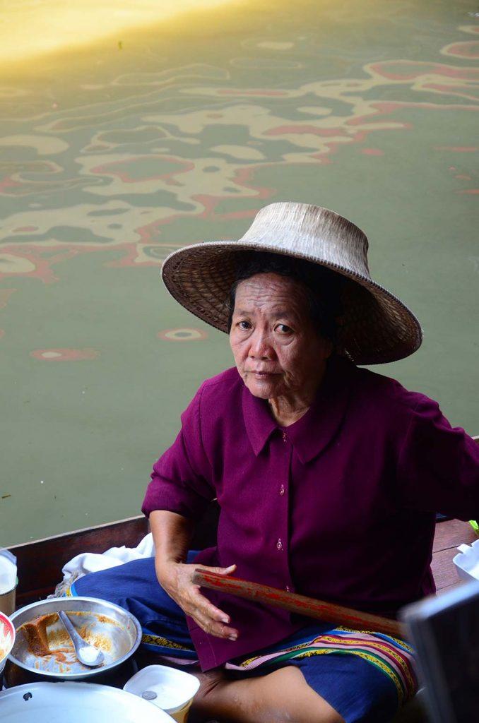 bangkok da alışveriş, bangkok da gezilecek yerler, bangkok da ne yapılır, bangkok da ne yenir, bangkok da nerede kalınır, bangkok gece hayatı, bangkok gezi, bangkok gezi rehberi, bangkok otelleri, bangkok tatili, bangkok turları, bangkok turu, istanbul bangkok, tayland gezisi, tayland seyahat, tayland turu, tayland yemekleri, uzak doğu gezileri, uzak doğu turu, uzakdoğu tatil, uzakdoğu tur, uzakdoğu turlar, yüzen pazar