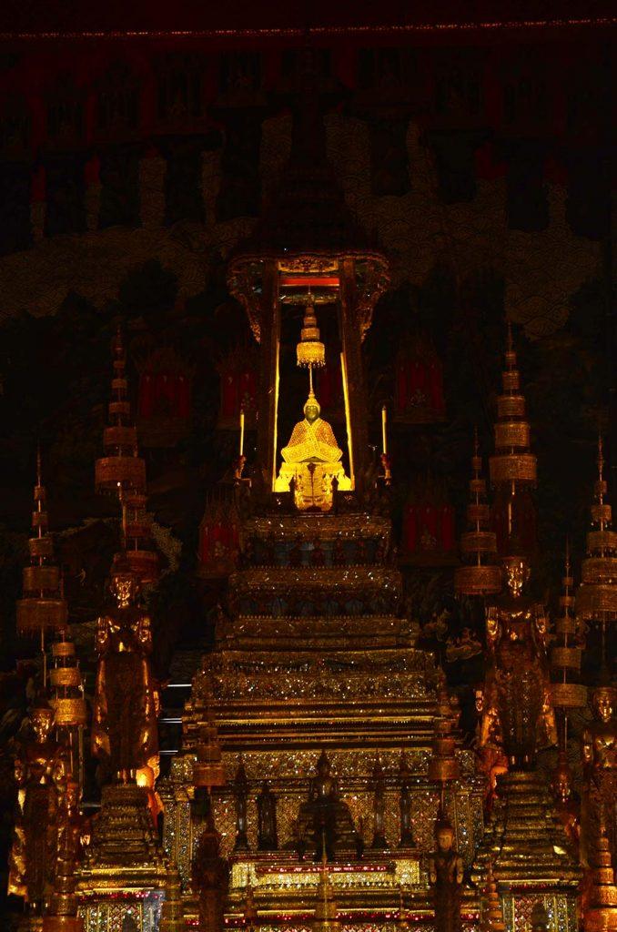 bangkok da alışveriş, bangkok da gezilecek yerler, bangkok da ne yapılır, bangkok da ne yenir, bangkok da nerede kalınır, bangkok gece hayatı, bangkok gezi, bangkok gezi rehberi, bangkok otelleri, bangkok tatili, bangkok turları, bangkok turu, istanbul bangkok, tayland gezisi, tayland seyahat, tayland turu, tayland yemekleri, uzak doğu gezileri, uzak doğu turu, uzakdoğu tatil, uzakdoğu tur, uzakdoğu turlar, bangkok emerald buddha