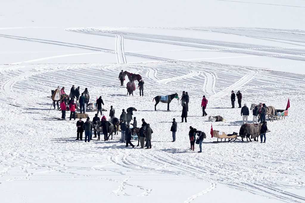 Ani Harabeleri, cirit, çıldır gölünde balık avı, doğu anadolu turları, doğu ekspresi ile kars, doğu ekspresi turu, Ebul Menuçehr Camisi, Kars Gezisi, kars kaşarı, kars kent ani otel, kars konaklama, Kars Müzesi, kars peyniri, kars ta otel, kars turları, kars turu, karsta ne yenir, karsta nerede kalınır, Kümbet Cami, Trenle Kars